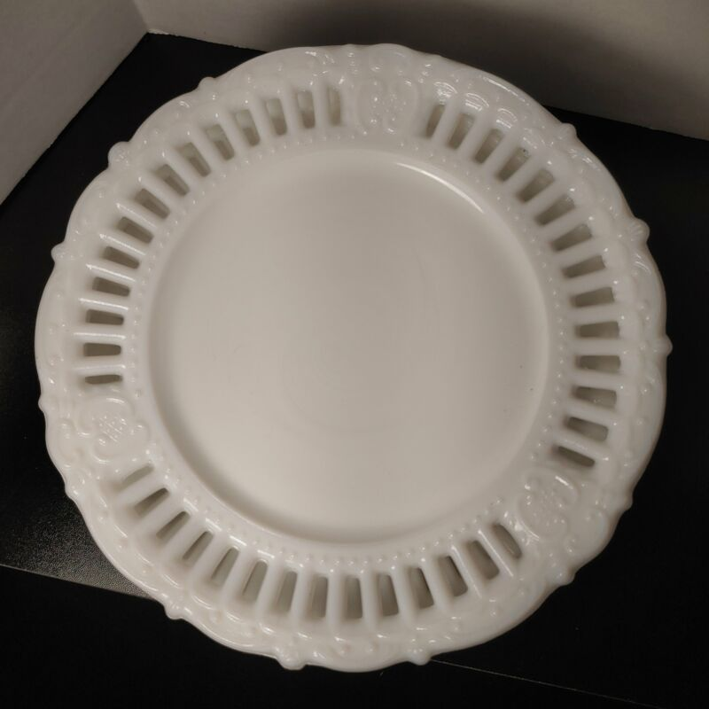 Milk glass dessert plates, 6