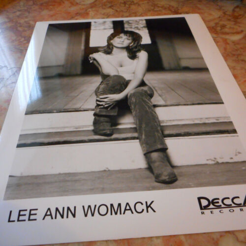 Lee Ann Womack Publicity Photo