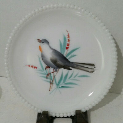 Westmoreland Beaded Edge Milkglass Red Throat Robin Bird Plate