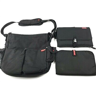 Skip Hop Diaper Bag w/ Changing Station Clutch, Pad & Wipe Container Baby Black