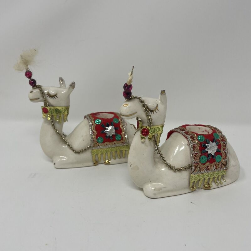 PAIR  HOLT HOWARD 6416 CAMEL Figurines CANDLE HOLDERS Ceramic 1 REPAIRED EAR
