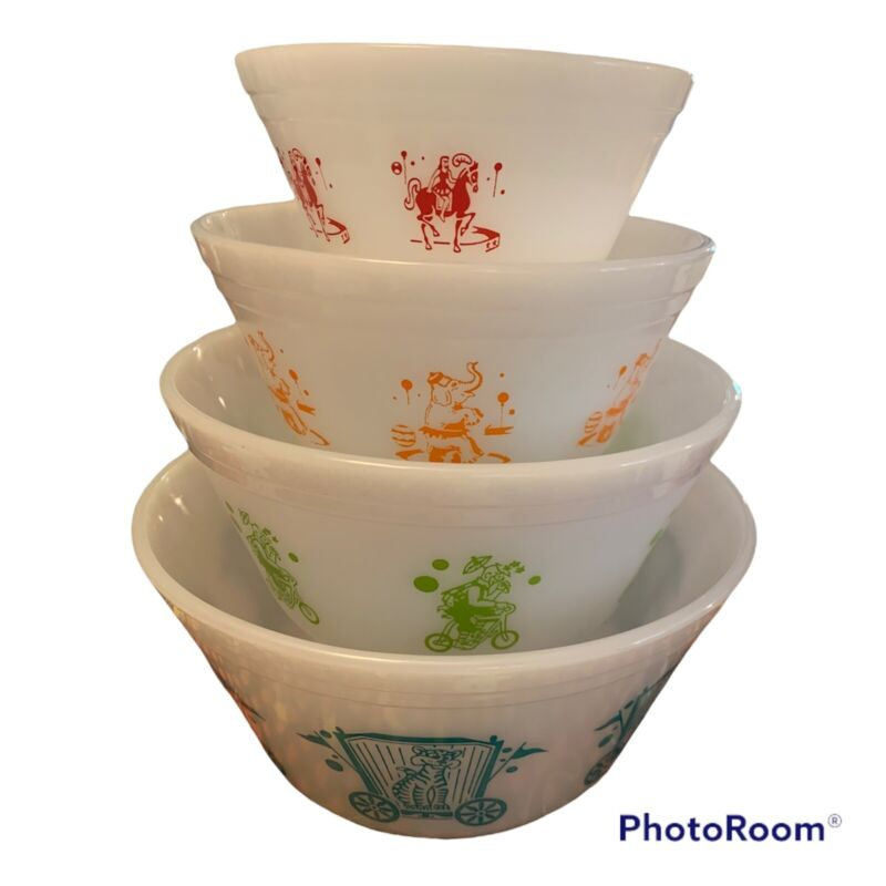 Federal Milk Glass Heat Proof USA Circus Mixing Nesting Bowls