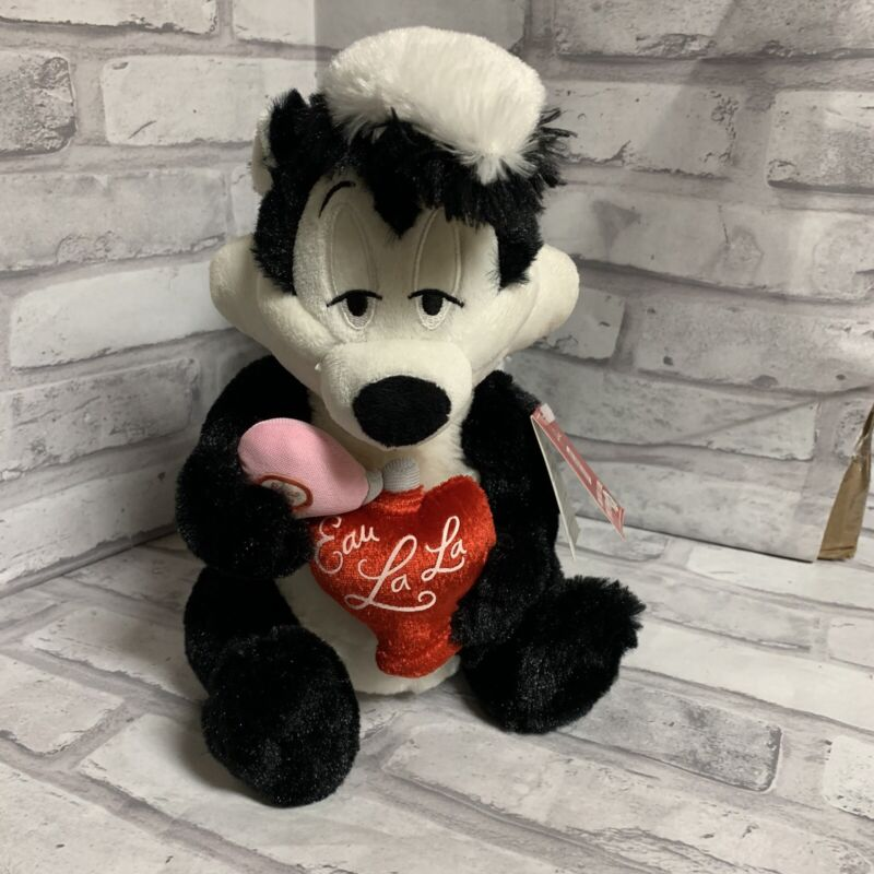 Pepe Le Pew Talking Plush Skunk Valentines Day Hallmark Sweet Smell Of Love