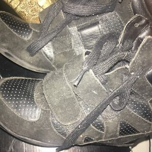 Wedge Running Shoes $10 $5