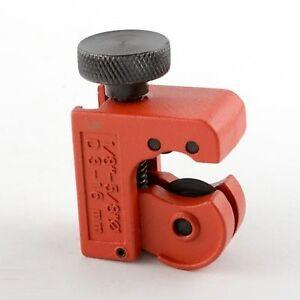 Mini tubing cutter copper pipe plumbing brake line cutting for Copper to plastic