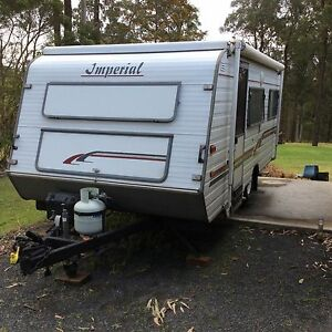 16ft imperial caravan Clarence Town Dungog Area Preview