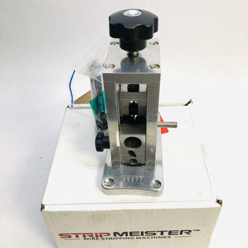 STRIPMEISTER™ 39377 AUTOMATIC WIRE STRIPPING ROMEX 2 BLADES COPPER STEEL