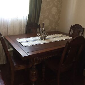 1900s Dinning Room Set w/6 chairs