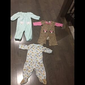 Baby girl Onesies, pants, sweater excellent condition $3 each