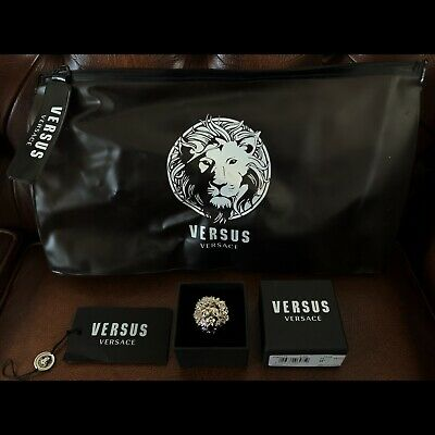 Genuine Authentic Versace Versus Lion Badge/pin Spilla Metallo Rodio Brand New!