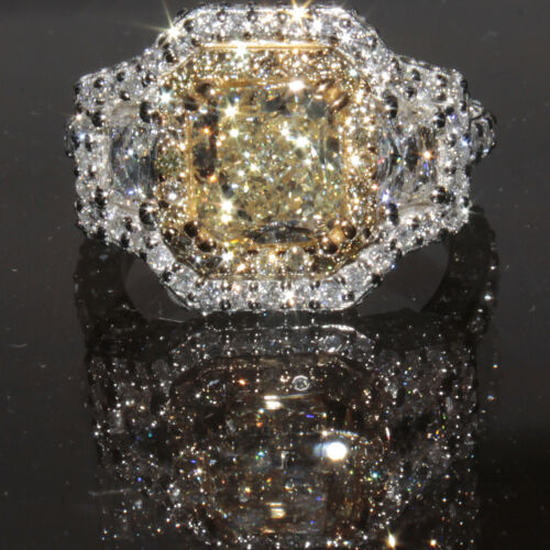 Magnificent Radiant cut Diamond Round Shape 3.00 CTW Fancy Yellow GIA 18K WG