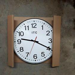 Prosaic Black 12 Classic Simple Wall Clock