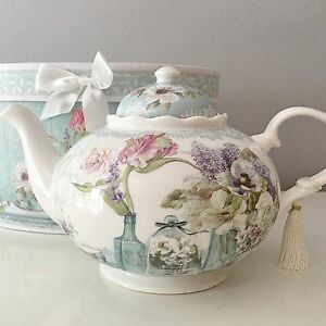 VINTAGE STYLE FLORAL LARGE FINE CHINA GIFT TEAPOT IN DUCK EGG BLUE SHABBY CHIC