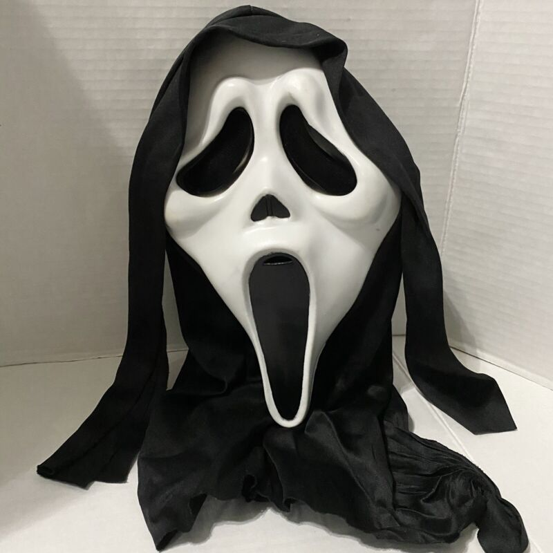 Scream Ghost Face Rubber Halloween Hooded Mask Easter Unlimited 2011 93228