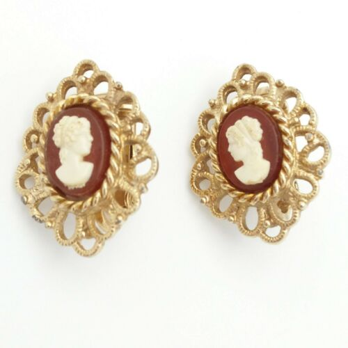 Vintage Signed Emmons Cameo Gold Tone Clip on Earrings