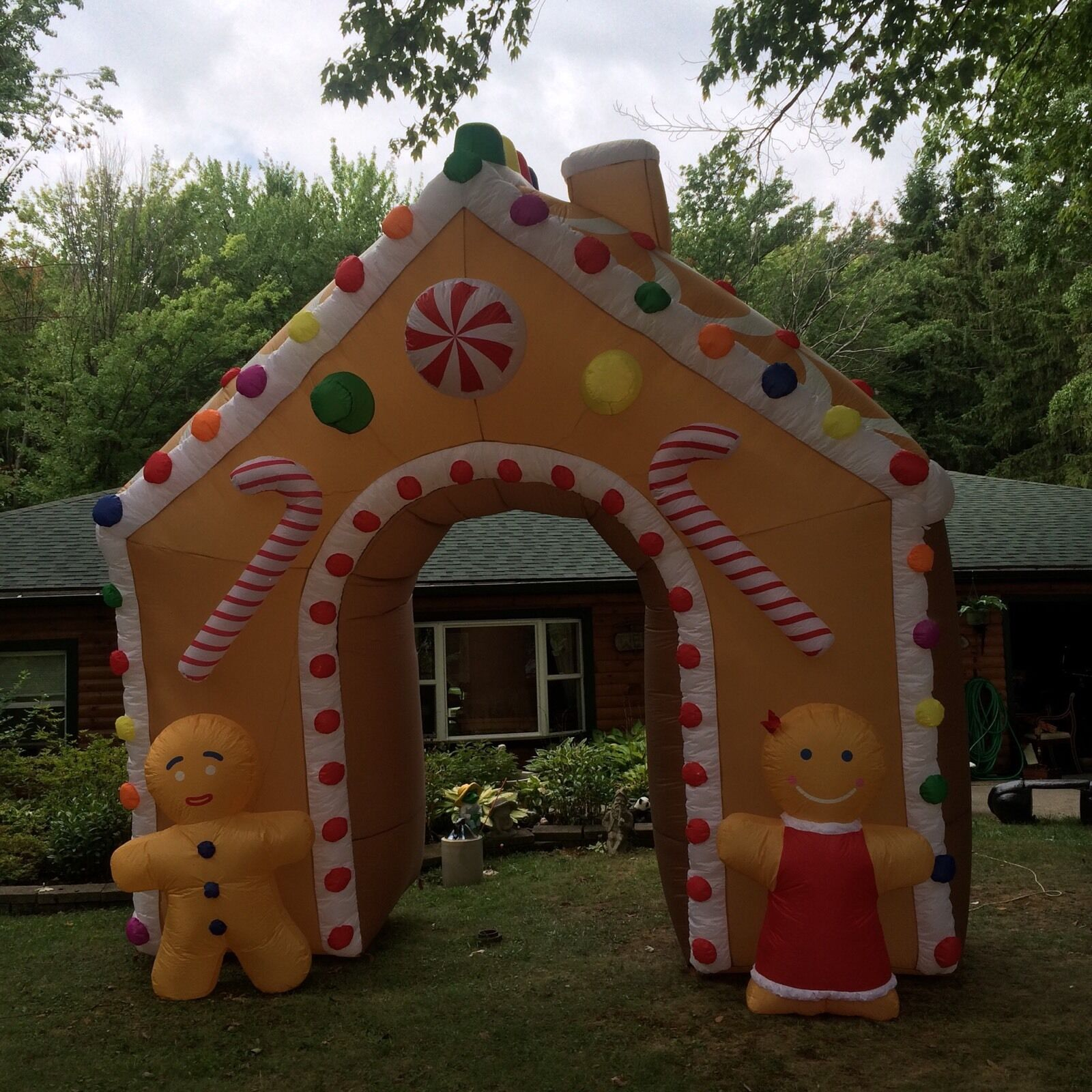 Giant 15 Ft Xmas Gingerbread House Inflatable