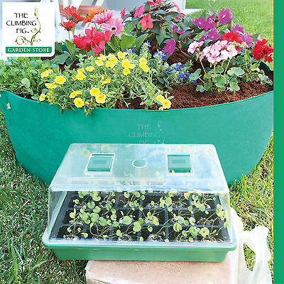 Propagation kit, with Instant Garden Bed™ in the background.