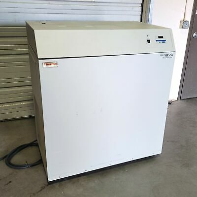 Neslab Thermo Electron Hx750w Water Cooled Recirculating Chiller 480vac 5-35c