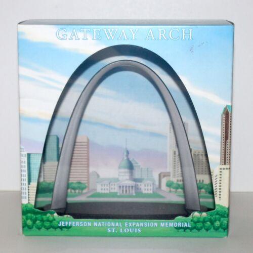 St Louis Jefferson National Expansion memorial Gateway Arch 2013 model toy