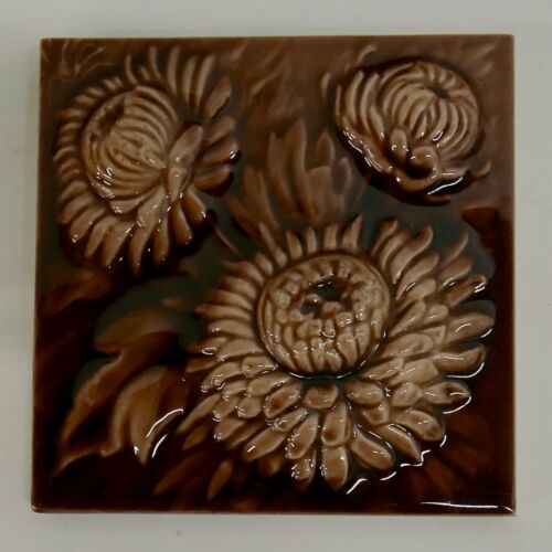 Hamilton Antique Tile Victorian Chrysanthemum Version 1