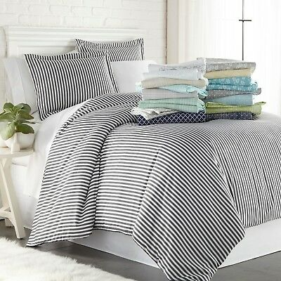 3 Piece Contemporary Bed (Hotel Luxury Ultra Soft 3 Piece Pattern Duvet Cover Set by the Home Collection )