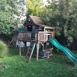 Kids Play Structure / Fort