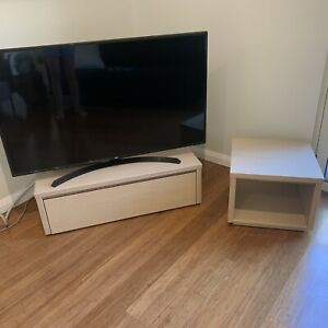 **QUICK SALE - TV/entertainment unit & small coffee table, $60