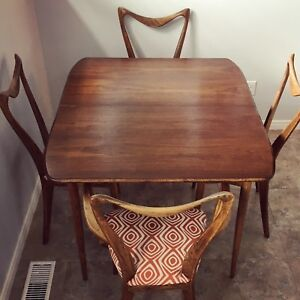 Mid century modern dinette table (no chairs)