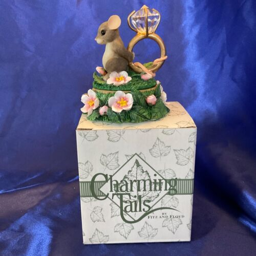 "Charming Tails ""LOVE EXPRESSIONS"" Dean Griff LIDDED BOX DIAMOND RING"