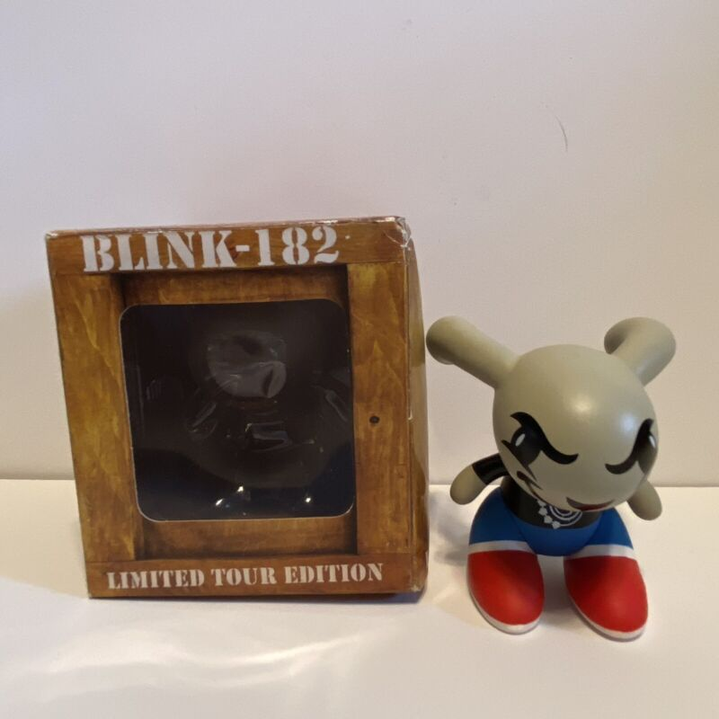 Blink-182 Rabbit Bunny Vinyl Figure Limited Tour Edition Gensen