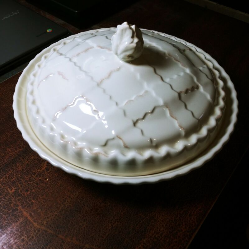 Vintage Department 56 Covered Pie Dish G3