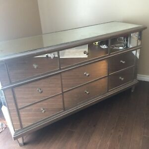 Gorgeous Mirror Dresser