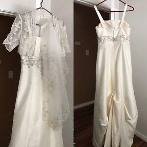 Beautiful White Ivory Wedding Dress!