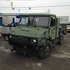 Camion militaire pick up 4x4