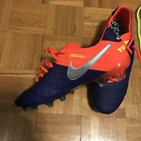 Brand new Nike Tiempo Legend Soccer Shoes Size 11.5