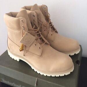 Timberland neuves/taille 11.5/beige