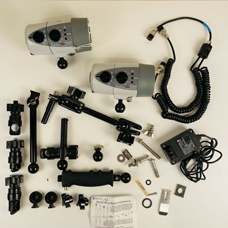 2 IKELITE DS125 Substrobe and arm ball-socket components