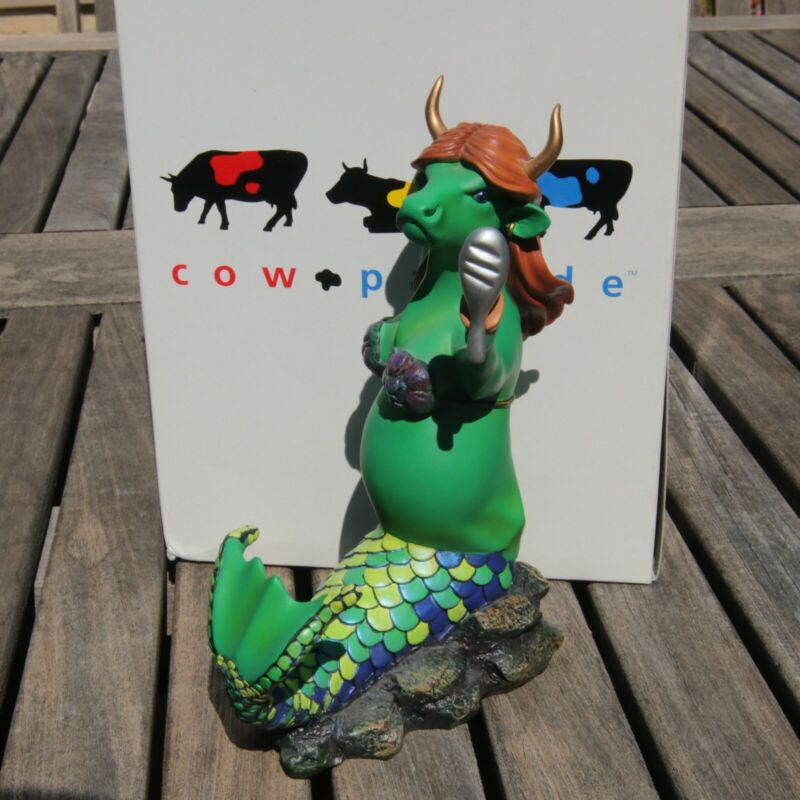 Cow Parade Moomaid Retired Figurine #9139 w/ Box 2001