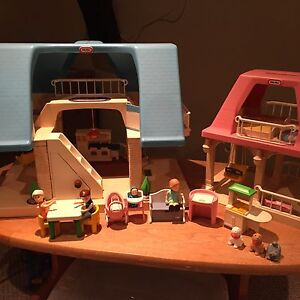 Vintage Little Tikes Doll House and Accessories Belleville Belleville Area image 1