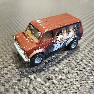 HOT WHEELS POP CULTURE DISNEY 101 DALMATIONS FORD TRANSIT SUPERVAN LOOSE