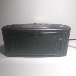 GE Alarm Clock Radio Model 7-4853A Dual Alarm Snooze AM-FM Large Digital