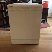 Simpson dish washer Seaford Frankston Area Preview