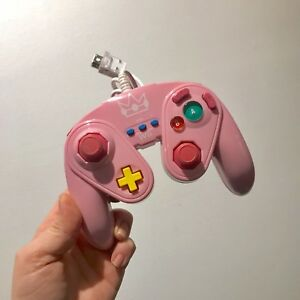 Manette Wii et Wii U Peach - PDP Wired fight pad