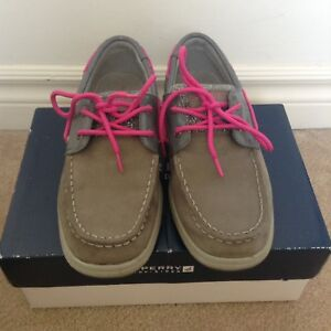 Sperry Topsiders (size 2.5 kids)