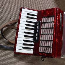 Weltmeister Stella Piano Accordion, 40 Bass Spring Hill Macedon Ranges Preview