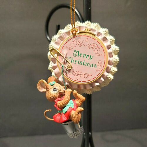 Vtg 1994 Lustre Fame Cross Stitch Sewing Mouse Christmas Ornament Hoop Thimble