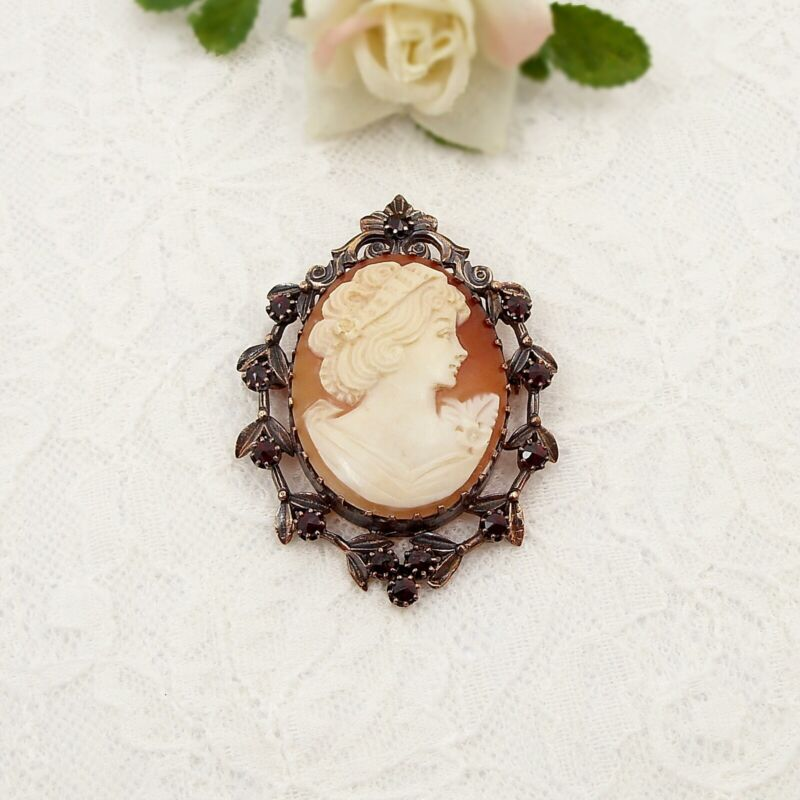 Large Vintage Bohemian garnet brooch with shell cameo гранат