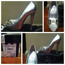 Peep Toe Miss Steal a Diamond Stilettos Size 39 Woolooware Sutherland Area Preview