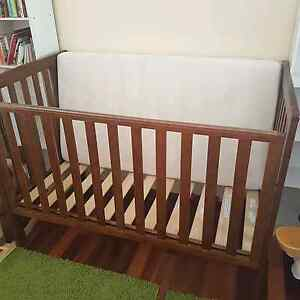 Wooden cot (REDUCED) Thagoona Ipswich City Preview