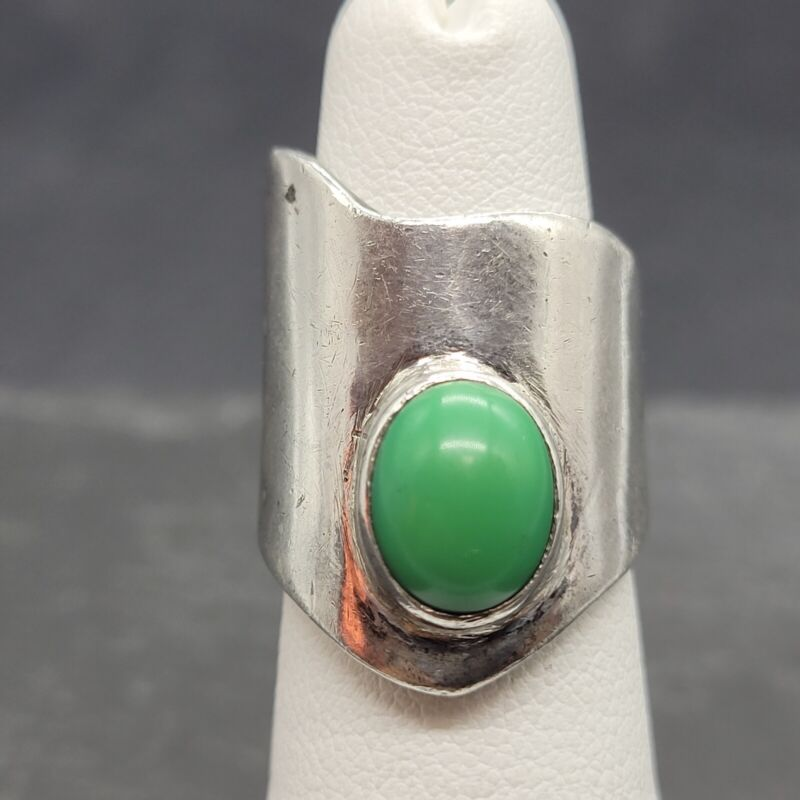 Vintage 925 Sterling Silver Polished Natural Green Stone Cocktail Ring  Size 5